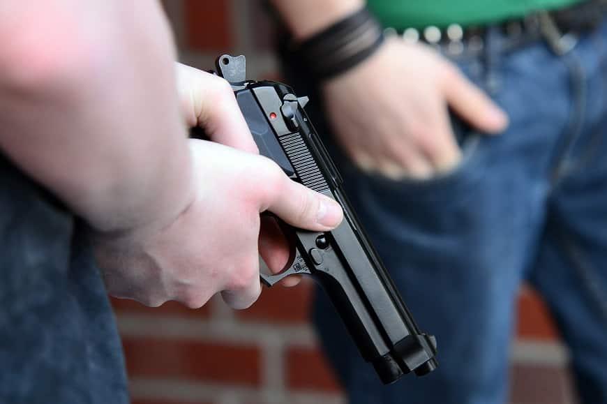 אקדח טעון ודרוך
