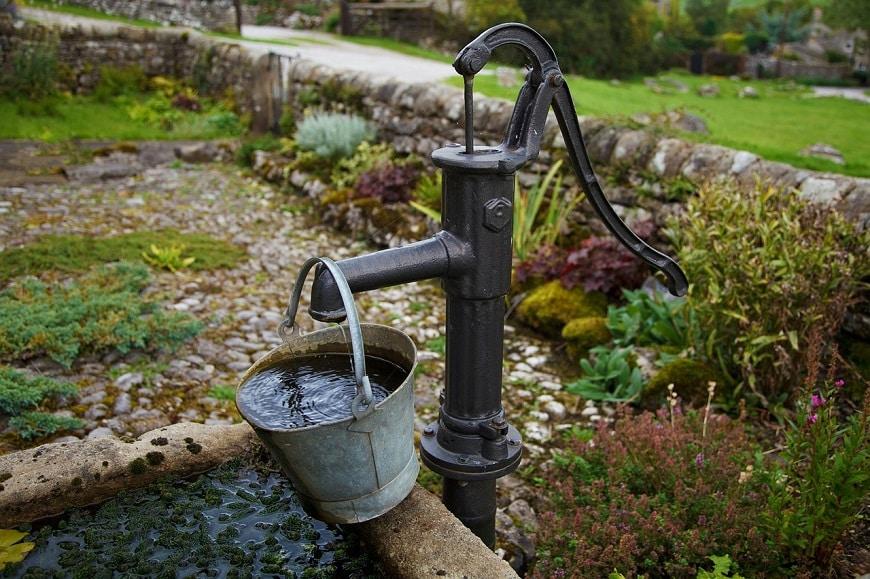 מתקן שאיבת מים ישן