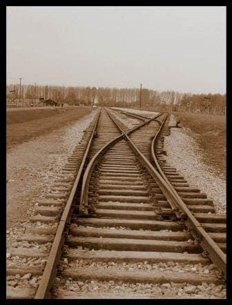 מסילת רכבת - שואה