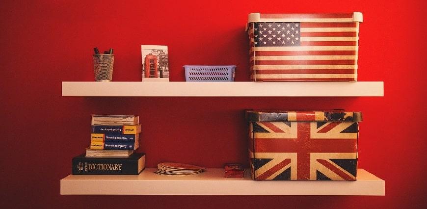 קופסאות עם דגל ארהב ודגל אנגליה - מדינות דוברות אנגלית